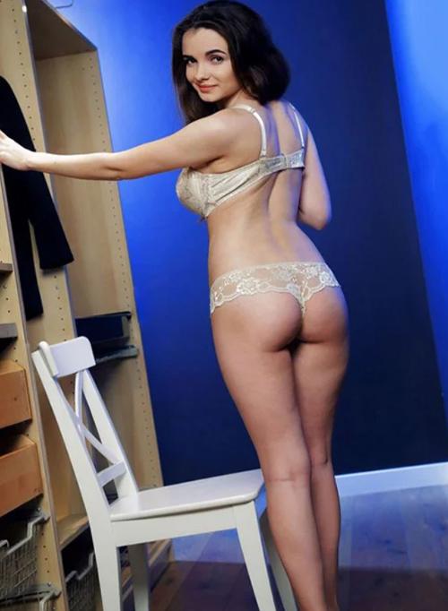 Kerri - Whores Frankfurt 75 B Full Body Massage Spoiled With Foot Erotic