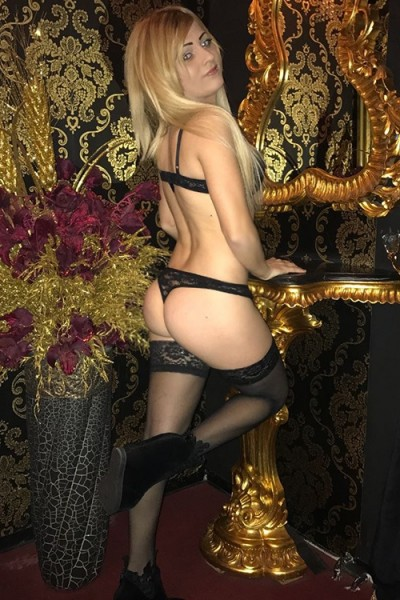 Bella - Whores Berlin From Spain Meridian Massage Opens Your Lust With Striptease