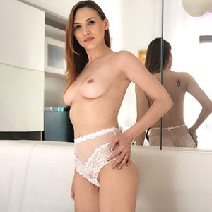 Paris escort lady through escort masseuse agency Krefeld for Tao massage service during house visits make sex appointments