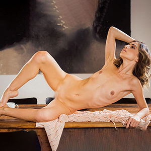 Birte Class Ladie über Escort Masseuse Berlin Agentur für Relax Massage mit sinnliche Küssen Sex Termin vereinbaren