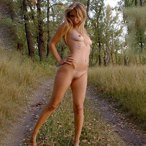 Teresa Frau is looking for a kinky partner through Berlin masseuse escort agency for full body massage service to order apartment sex