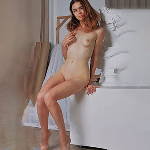 Cendrine First Class Ladie through Berlin masseuse escort agency for psychic massage service make an appointment with submissive soft sex