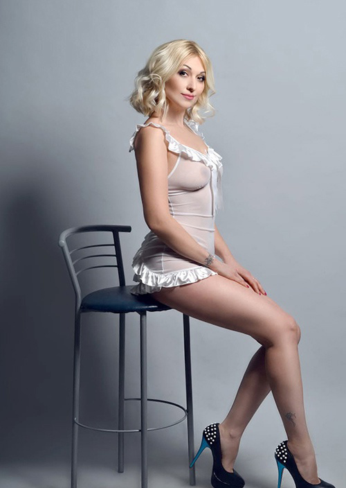 Taisija - Prostitute Bochum From Belgium Ayurveda Massage Enchants With Striptease