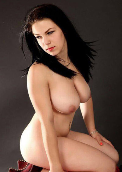 Karla - Escort whores from Berlin ensures that the pleasure Points are stimulated by Rubbing and Kneading