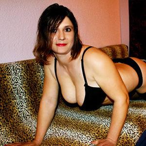 Lusy Liebesdienerin über Masseurin Begleitagentur Berlin für Nackt Massage Service mit Französisch Verhütung Sex bestellen