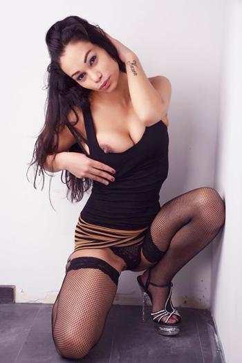 Amanda - Petite Girl Makes Sex Massage With Horny Happy Ending