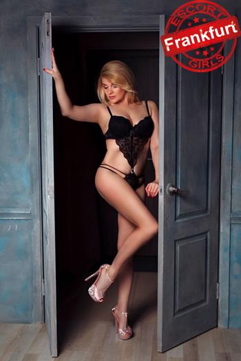 Briana Blonde Escort Ladie In Frankfurt Seduces With Massage Then With Sex