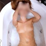 Carla - Nutten aus Berlin betört mit der Soapy Massage im Hotelbad an