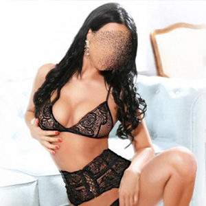 Chantal - VIP Lady seduces with Oriental Massage from Berlin