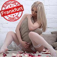 Daniela Blonde Escort Dame aus Frankfurt mit intimen Massage Techniken