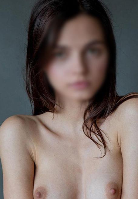 Janina - Top Models Berlin 19 Years Mediation Striptease