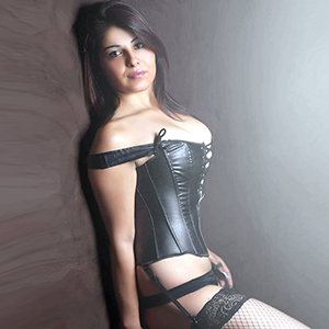 Gerri - High Class Modelle bieten intime Sex Massage Dienste