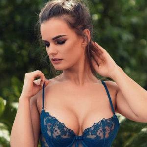 Haddie - Natural Breasts Bonn 25 Years Erotic Reports Kisses With Tongue