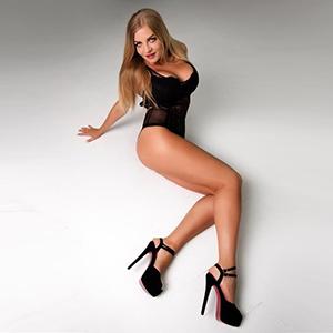 Jade - Traumfrau mit langen beinen Aromatisierende Öl-Massage Berlin