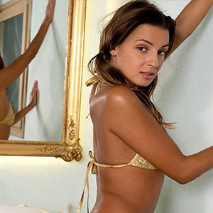 Jessy - Young Women Berlin 22 Years Hand Relaxation Increases All Your Senses With Body Insemination