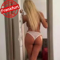 Escort Ladie Karolina Massage mit Quickie Sex in Frankfurt am Main