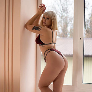 Kati Stern - Private Models from Berlin Kneads and Massages with the Lomi Lomi Nui Massage