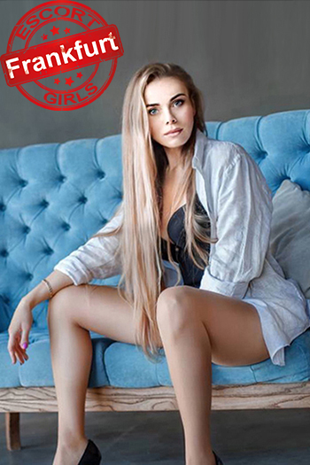 Kristina - High Class Ladie bietet Sex Massage in Frankfurt Hotel Haus