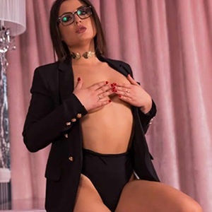 Marcella - Luxury Women Frankfurt 21 Years Erotic Sex Massages French Kisses