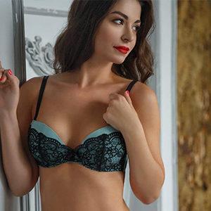 Natella - Escort Model from Bonn fulfills a lustful Genital Massage at the Meeting