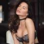 Nur - Escort Lady aus Frankfurt heizt mit duftenden Salben die Aromatisierende Massage an