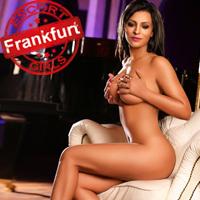 Nur Escort Türkin aus Frankfurt massiert Penis Schultern Nacken