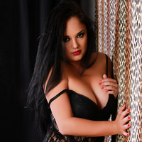 Ornela - Intime Ganzkörpermassage mit Sex & Happy End
