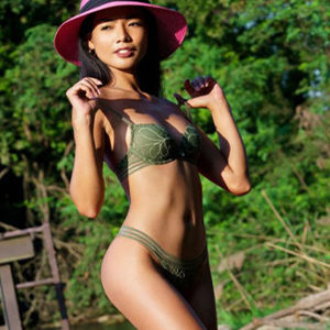 Ostara - Leisure Whore from Berlin spoils Hot hours with erotic Thai technology