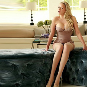 Pavlinka - Polish Escort Domina Big Tits Massaged To Orgasm