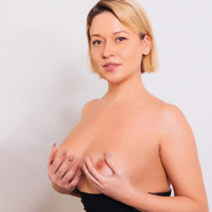 Caja - Escort Lady Berlin Speaks English Book Apartment Foot Erotic