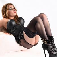 Raquel - Steht auf Intime Handgriffe zur Entspannung mit Sex