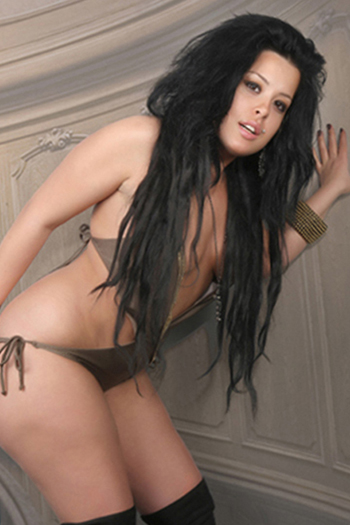 Sakine - Sexy Escort Whore In Berlin Brings You To The Climax