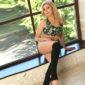 Stella - NRW Escortmodelle in Düsseldorf warten auf Sex-Massage Termin