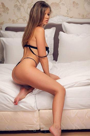 Stella - Loving Amateur Whore Berlin Offers Cheap Sex Acquaintances