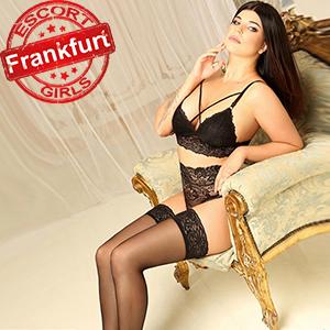 Tiffany - Escort Model aus Frankfurt massiert Männer und bietet Sex