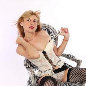 Valentina - Privatnutte verrichtet Handmassage aus Potsdam