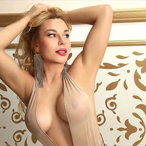 Verona - Escort Girl from Potsdam uses the Ayurveda Massage with warm Oils on the Sex Partner
