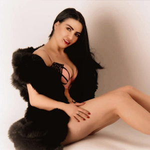 Veronika - Escort Models from Potsdam intensifies the Prostate Massage with gentle Movements
