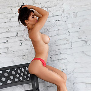 Yasmin - Models With Top Figure Offer Private Back Massage With Sex