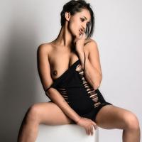 Zara - Teenie Girl Affäre Ganzkörpermassage mit Penis Stimulation