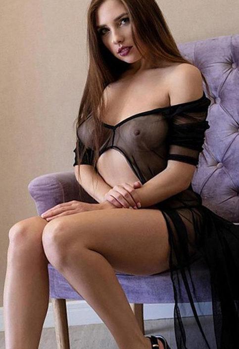 Zora - Junge Frauen Berlin Spricht Englisch Erotische Sex Massagen Dildospiele